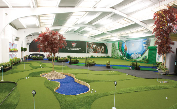 indoor-golf-photo